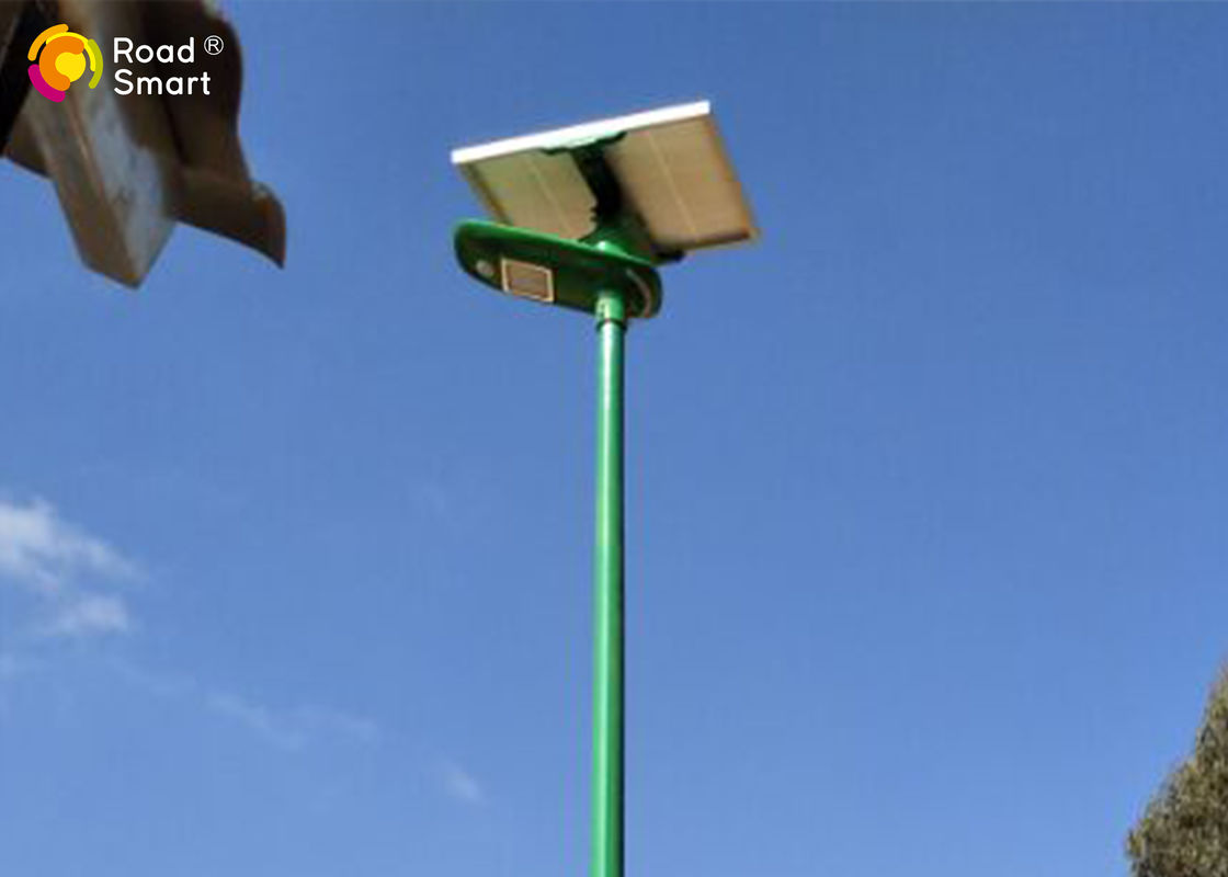 Outdoor Integrated Solar Street Light With Lithium Battery Backup 3 5 Rainy Days